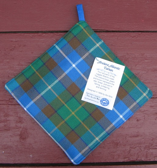 Ancient Atlantic Tartan pot holder